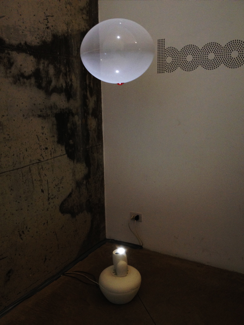 BOOO  FLOATING LAMP 1