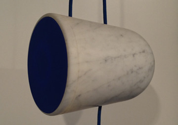 Modern objects design in marble by CLIQUE